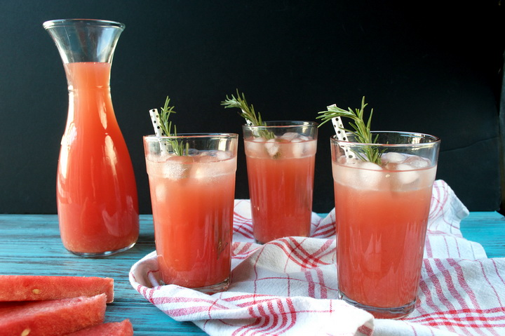 watermelon lemonade-c розмарином