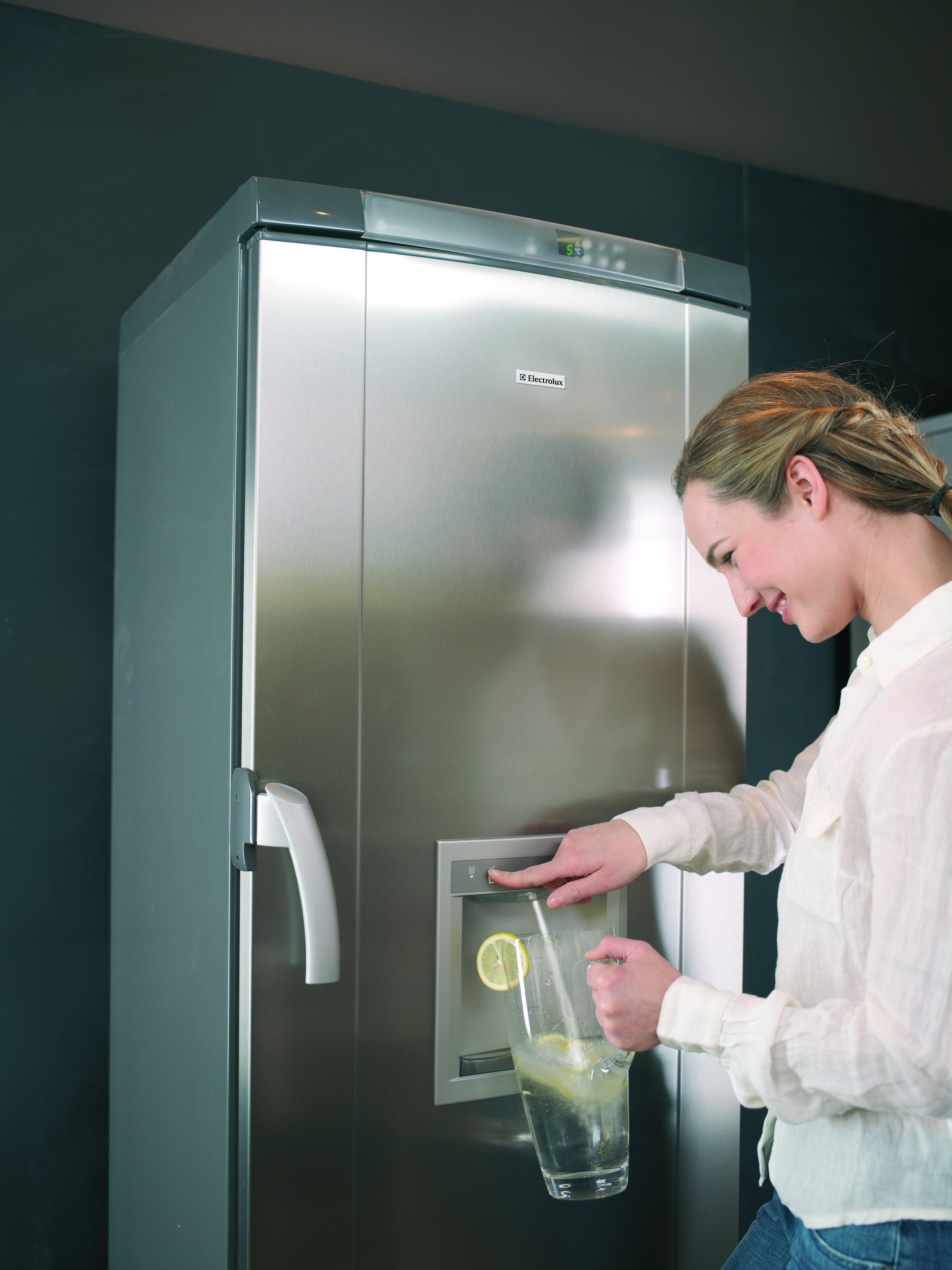 холодильник с диспенсером