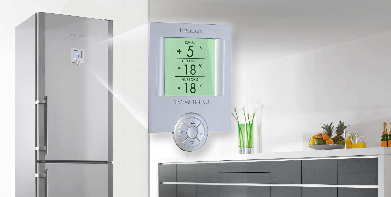 Будь в тренде_холодильники и их технологии в 2019 - холодильник с дисплеем на дверце
