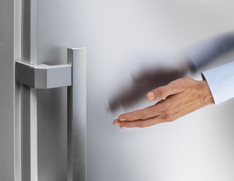 Будь в тренде_холодильники и их технологии в 2019 - отпечатки пальцев на дверце