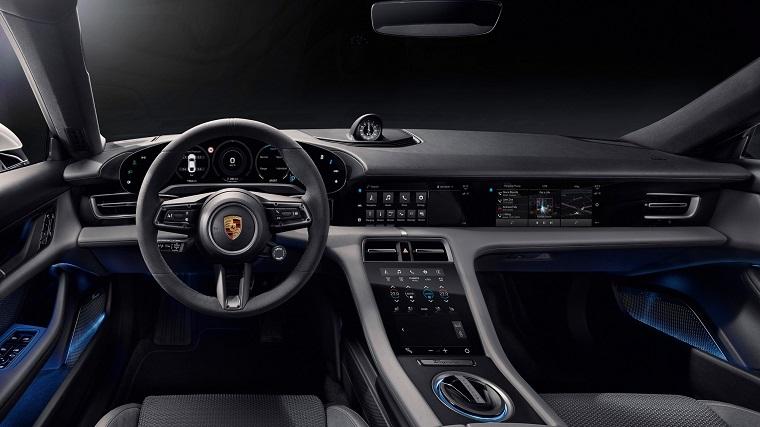 В противовес Tesla - электромобиль Porsche Taycan 3