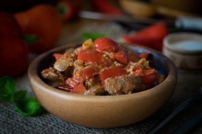 Овочевий салат з печінкою