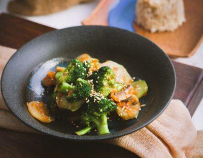 Блюдо с брокколи