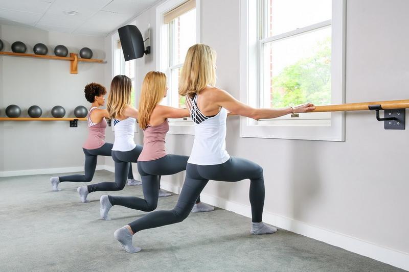 Барре-фитнес-спорт и балет