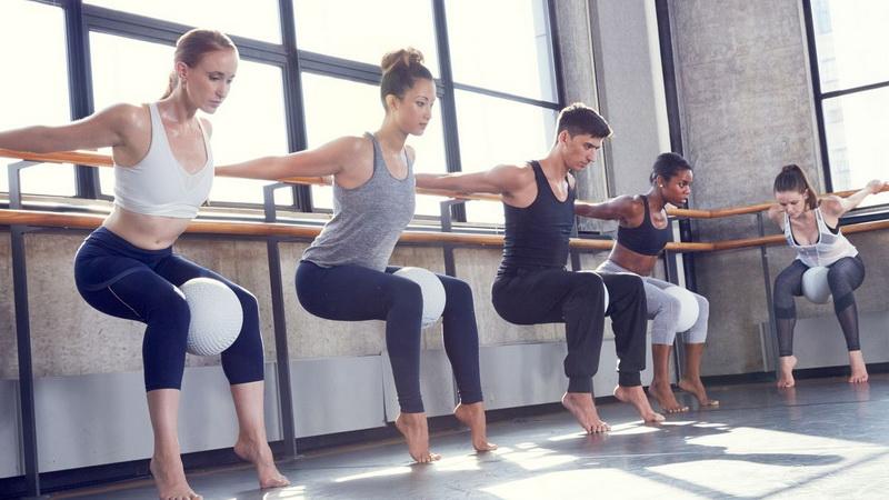 Barre-фитнес-тренировка упражнения фото