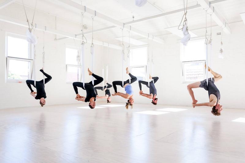 Fly-yoga-асаны