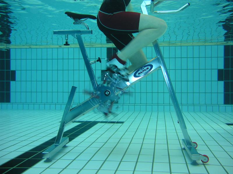 Гидрорайдер-велотренажер в воде