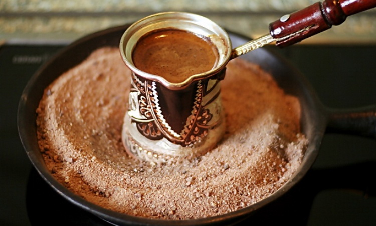 Кофе по-восточному-на песке