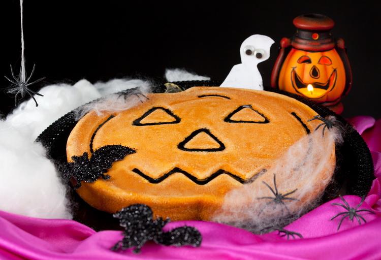 Тыквенный чизкейк-на Хэллоуин.