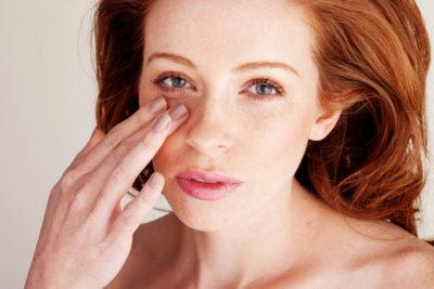 как убрать синяки под глазом в домашних условиях