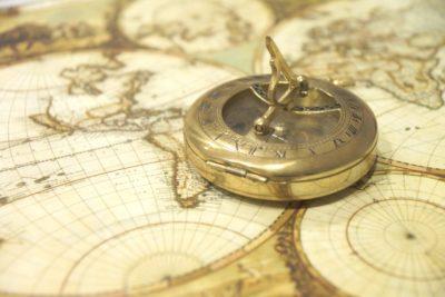 старий компас
