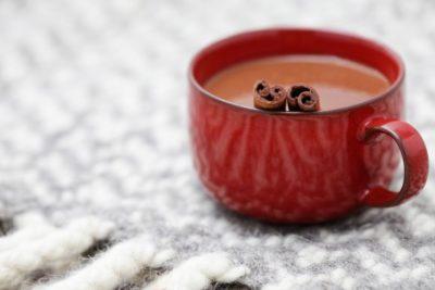 Шоколад з паличкою кориці