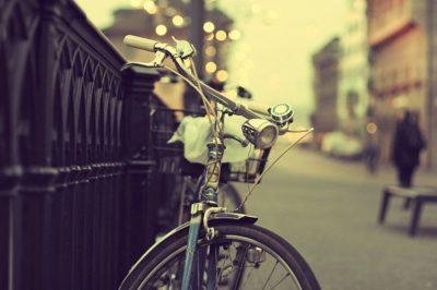 Зйомка велосипеда ввечері