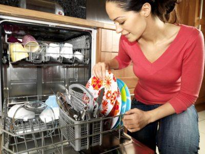 Правильне розташування посуду в посудомийці