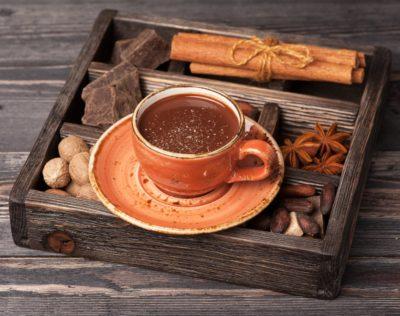 Гарячий шоколад з прянощами