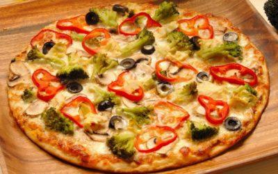 Вегетаріанська піца з овочами