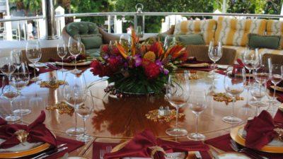 Квіти в тарілці