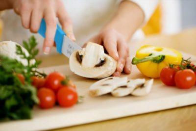 Керамічні ножі- нарізання овочів