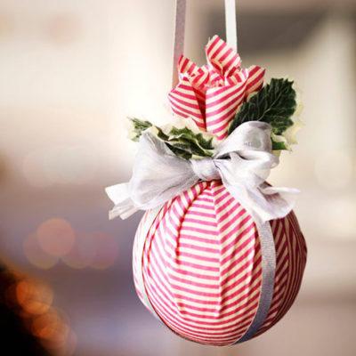 Декор новорічної кульки тканиною