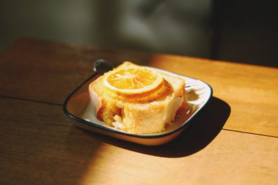 Десерт з лимонним кремом