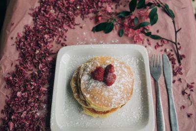 Завтрак со свежими фруктами