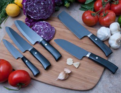 Набір чорних професійних керамічних ножів