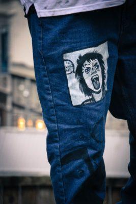 Нашивка на джинсах