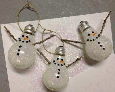 Лампочки-сніговики