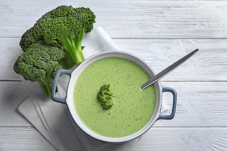 Диетический суп из брокколи