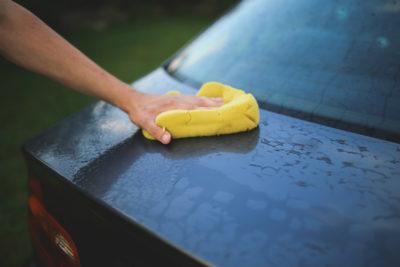 Як прибрати подряпину на автомобілі: Мийка