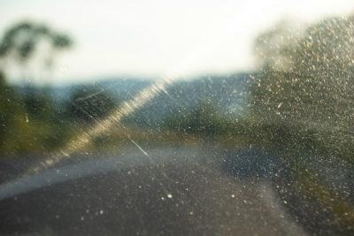 Як прибрати подряпину на автомобілі: Скло