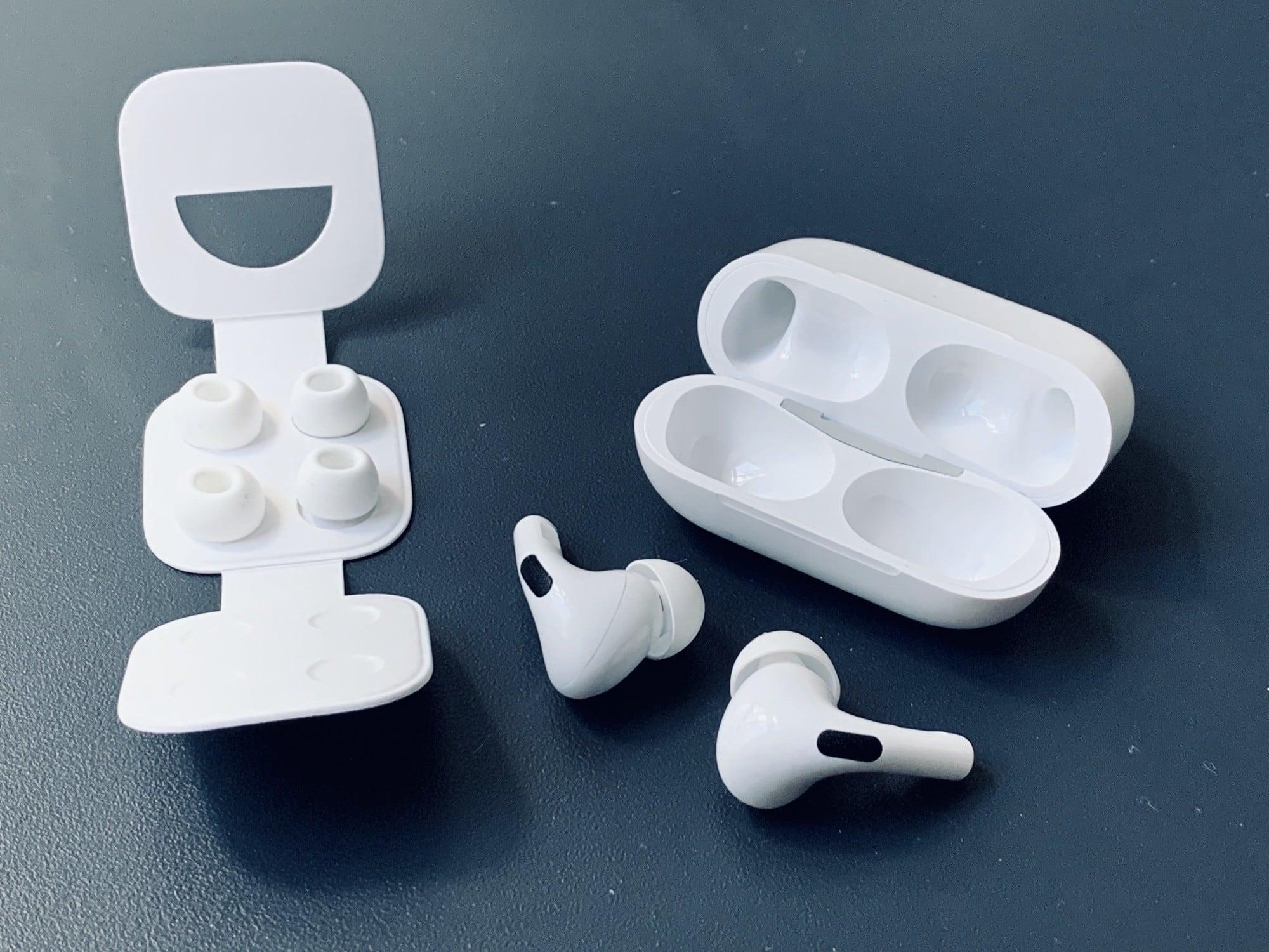 Обзор AirPods Pro_лучшие полностью беспроводные наушники от Apple - наушники с комплектацией