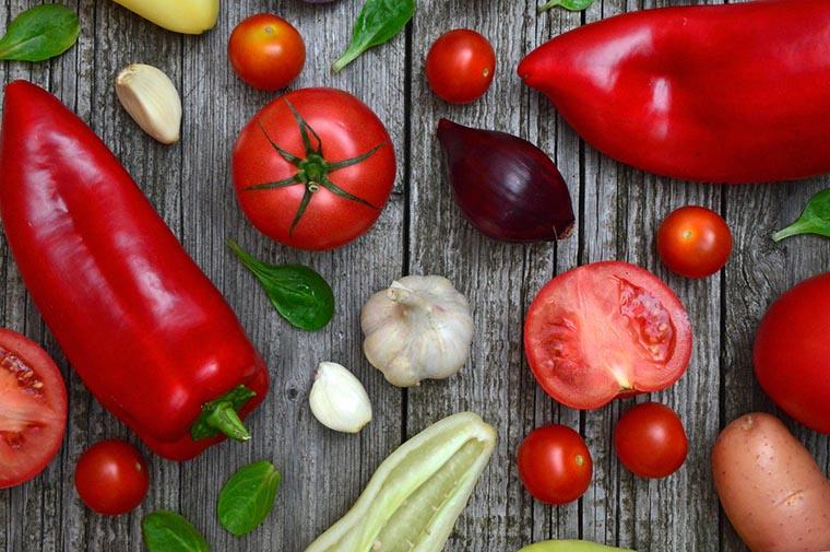 Овощи на доске