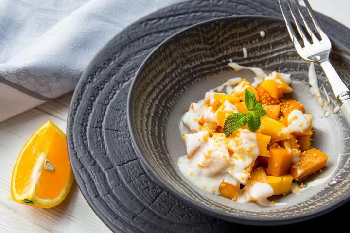 Йогуртовый салат-хурма и тыква