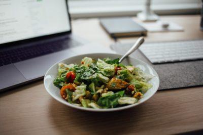 Салат на столі