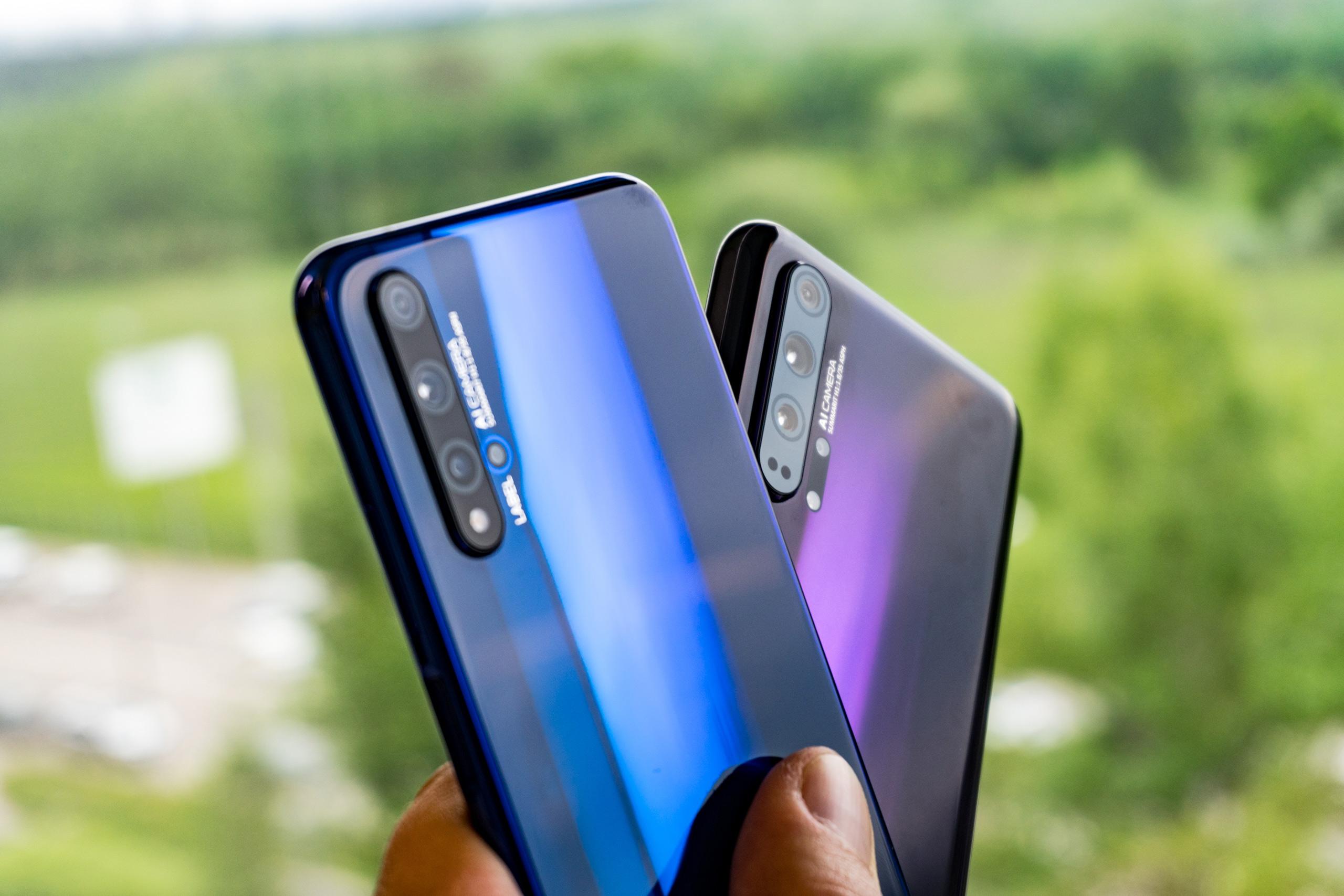 7 смартфонов флагманов 2019 года - два смартфона Honor 20