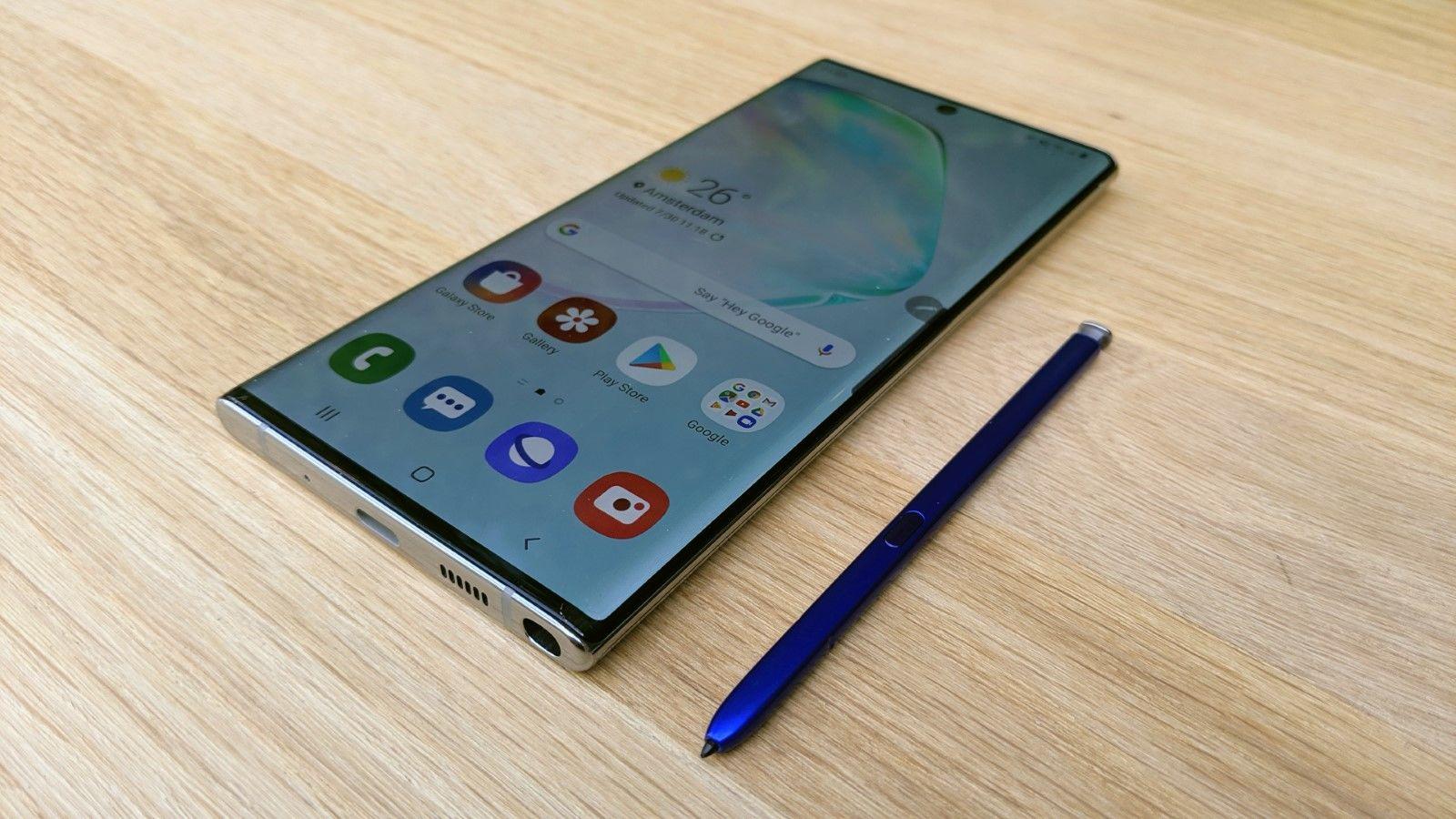 7 смартфонов флагманов 2019 года - galaxy Note 10 со стилусом
