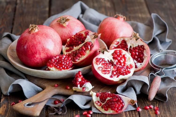 Гранат-фрукт
