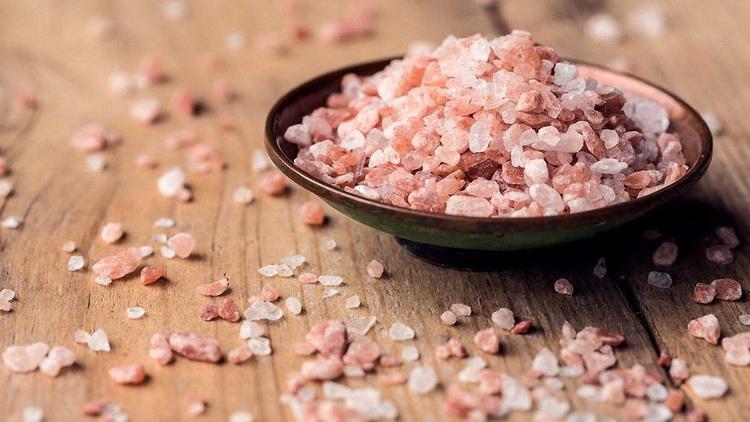Розовая гималайская соль-фото
