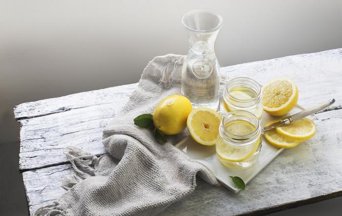 Вода с лимоном-натощак.