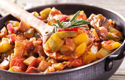 Процес приготування овочевого рагу