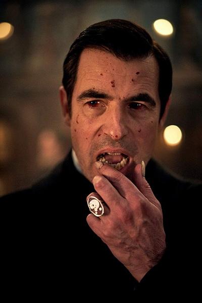 Дракула-кадр из фильма 13