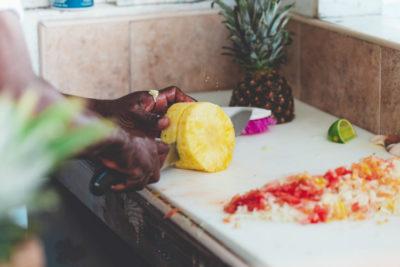 Салат с ананасами: Приготовление