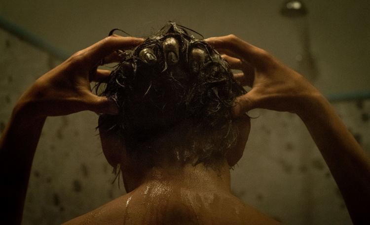Проклятие-кадр из фильма 6