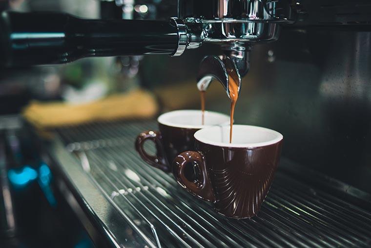Рожковая кофеварка-эспрессо