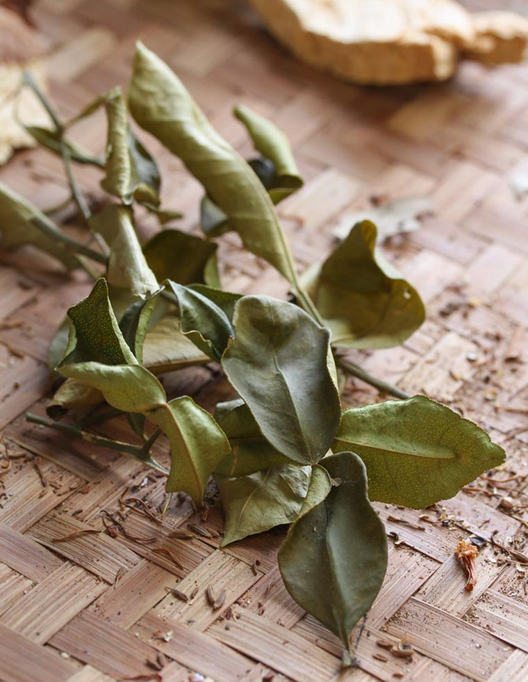 Сушеные листья каффир-лайма