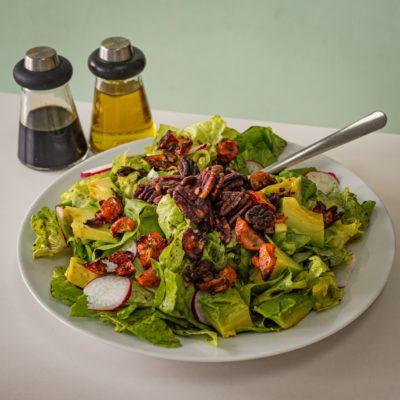 Салат з горіхами