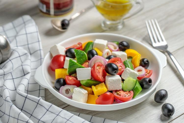 греческий салат-блюда