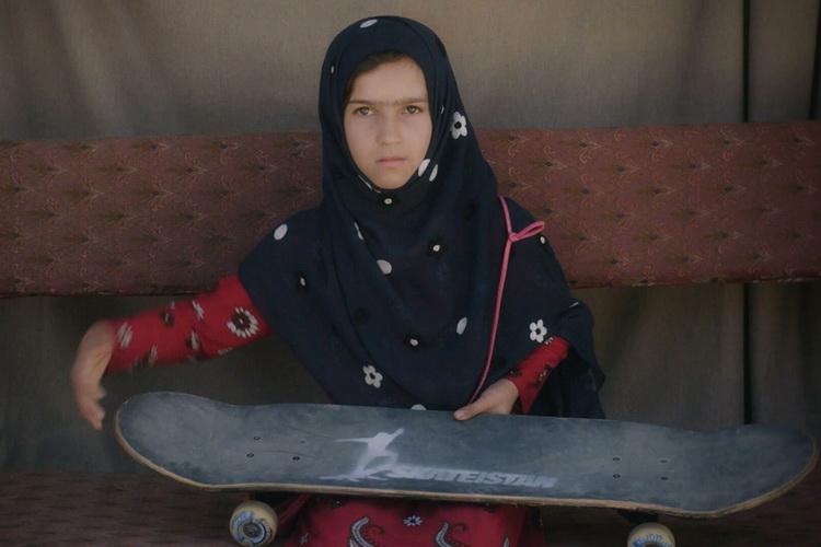 Научиться кататься на скейтборде в зоне боевых действий-фильм