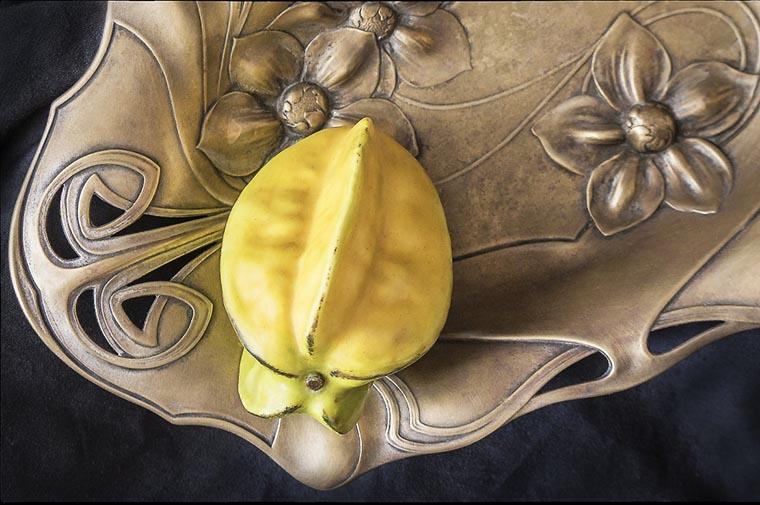 Карамбола на блюде